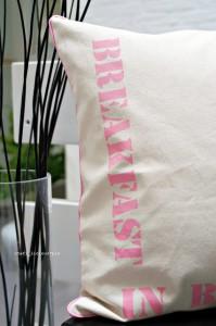 blog_breakfast_in_bed_s