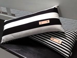 pillow_bw_2