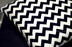chevron_black_1