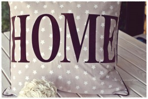 home_pillow_stars_brown